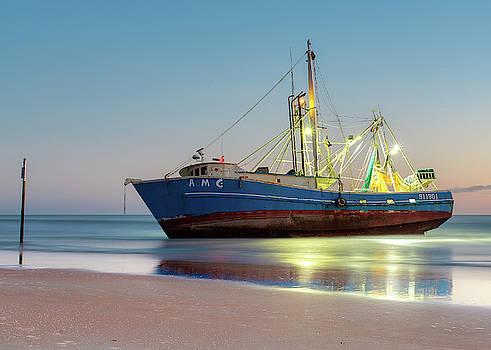 Stranded But Peaceful by Dillon Kalkhurst