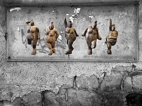 Street Art is Art - Dancing Venus Crones by Andrea Kollo
