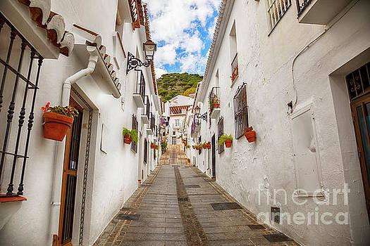 Ariadna De Raadt - street in Mijas, Spain