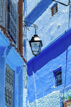 Street light in Chefchaouen Morocco by Louise Poggianti