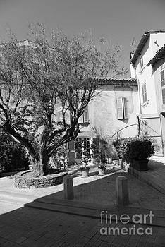 Street View in Saint-Tropez by Tom Vandenhende