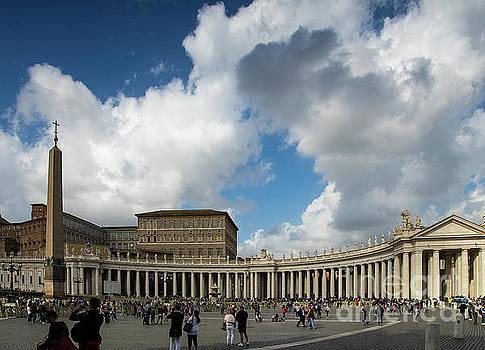 Wayne Moran - Stunning View of Vatican City Rome