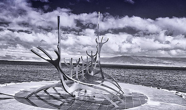 Sun Voyager by Jim Cook