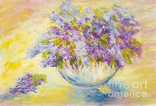 Sunny bouquet of lilacs by Olga Malamud-Pavlovich
