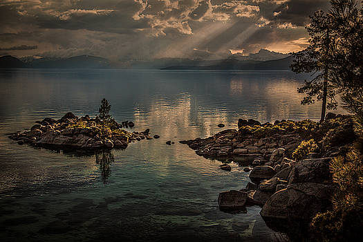 Rick Strobaugh - Sunrays on the Lake