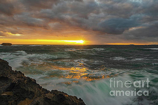 Asia Visions Photography - Sunrise at Laie Point
