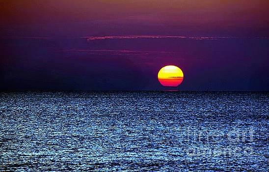 Sunrise Thailand #2 by Ian Gledhill
