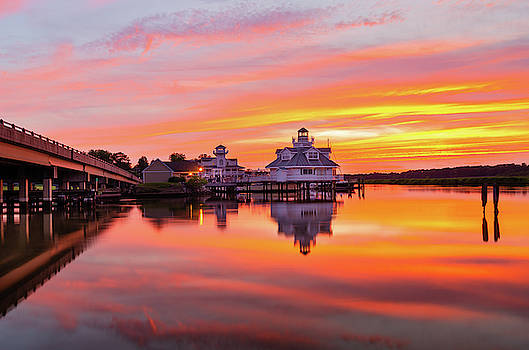 Sunset a' la Smithfield by Mike O'Shell