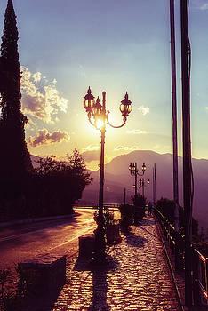 Sunset Alley by Zina Zinchik