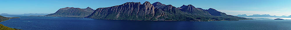 Sunset in Norway in Lofoten island by Kai Mueller
