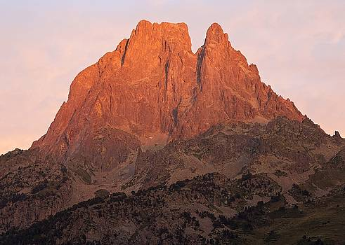 Sunset on the GR10 by Stephen Taylor
