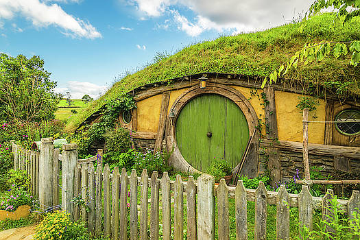 Racheal Christian - Sunshine Over Hobbiton