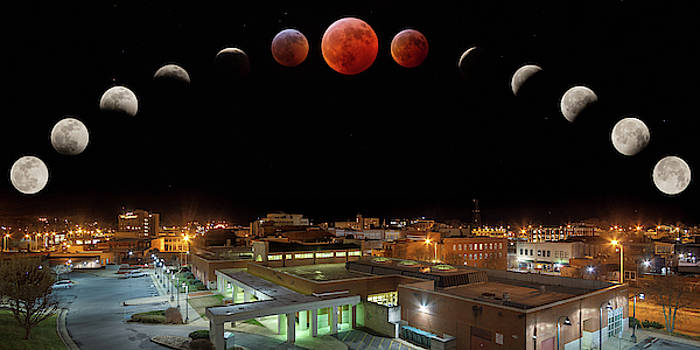 Super Blood Wolf Moon Eclipse Over Bristol by Greg Booher