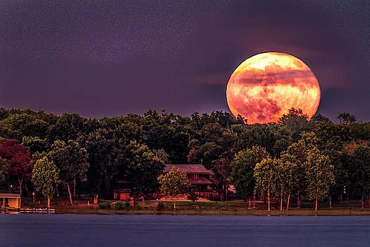 Super Moon by David Wagenblatt