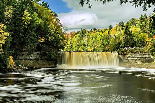Tahquamenon upper Falls 7 by Tom Clark