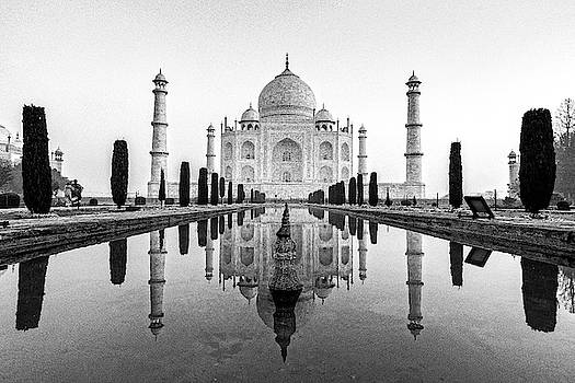 Taj Mahal in black and white by Ian Robert Knight