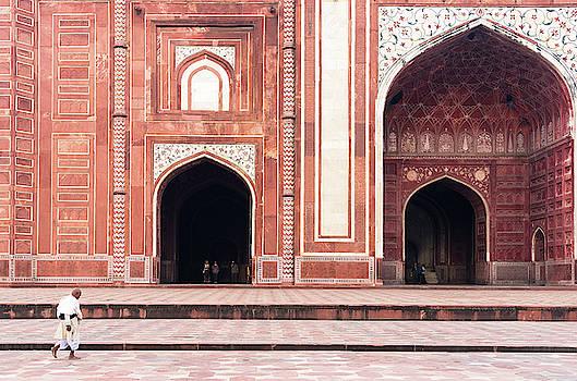 Taj Mahal West Mosque by Michalakis Ppalis