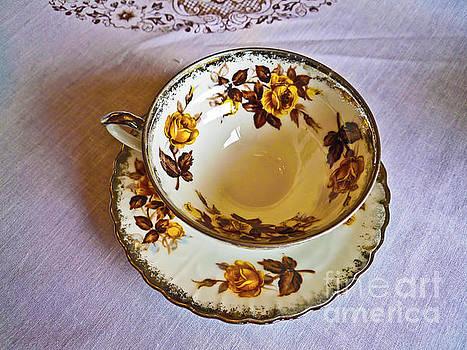 Tea_002 by Howard Stapleton