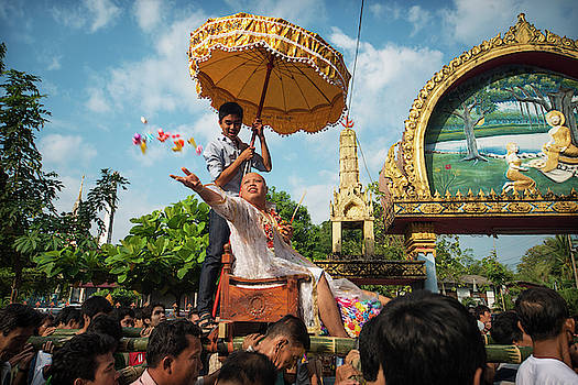 Thai Ordination Procession by Lee Craker
