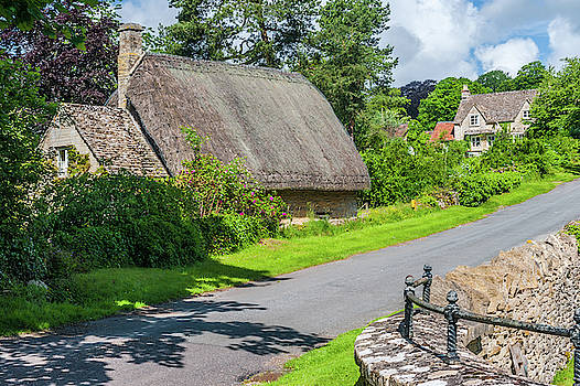 David Ross - Thatched cottage in Bagendon, Cotswolds