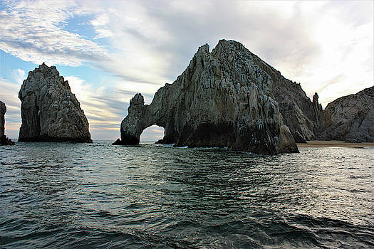 The Arch of Cabo San Lucas, Mexico  by Deborah Kinisky