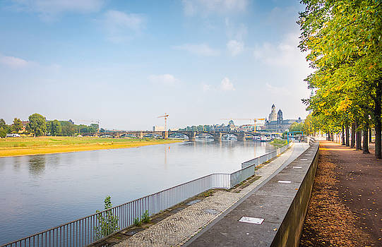 the banks of the Elbe in Dresden by Karsten Eggert