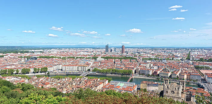The beautiful city of Lyon in France by Vicen Photography