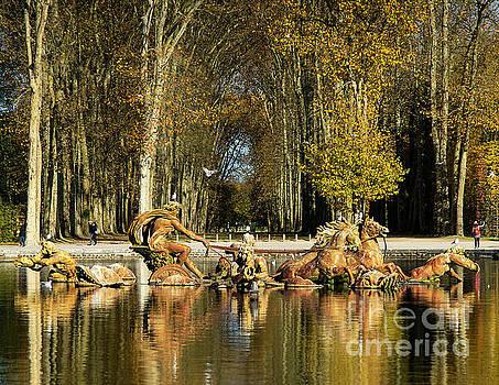 Wayne Moran - The Fabulous Grounds and Gardens of The Palace of Versailles