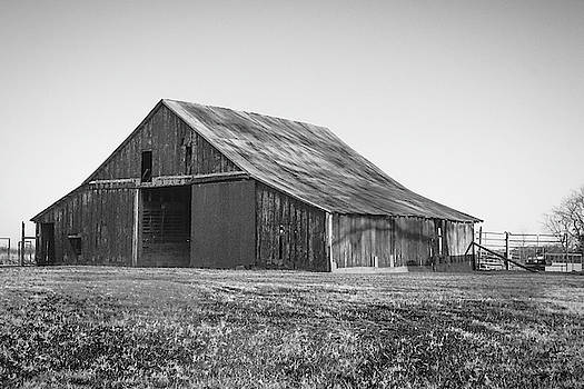 The Farm's Barn Black and White by Lisa Bell