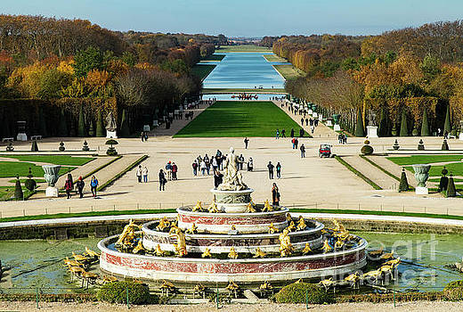 Wayne Moran - The Grounds and Gardens of The Palace of Versailles Autumn