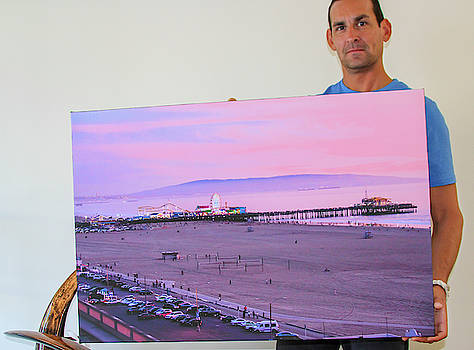 The Happy Art Collector - Malibu, CA by Gene Parks