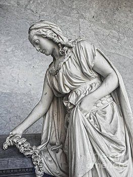 The Homeland That Adorns The Grave by Jasna Dragun