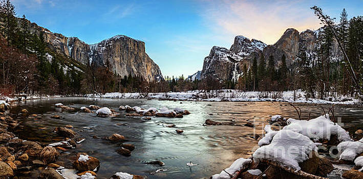 The iconic Valley View in Yosemite National Park. by Jamie Pham