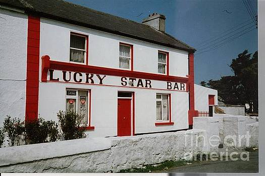 Val Byrne - The Lucky Star Bar, Kilronan, Aran