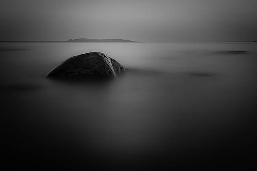 The Sleeping GIent from Snady Beach BW Long Expo by Jakub Sisak