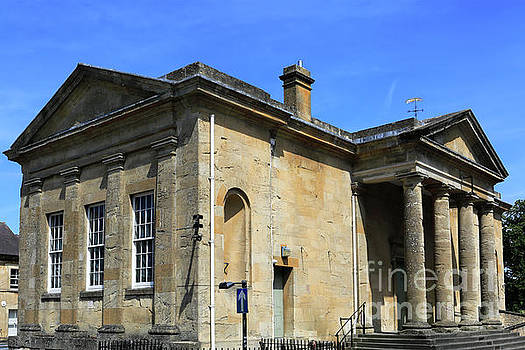 The Town Hall in Chipping Norton town by Dave Porter