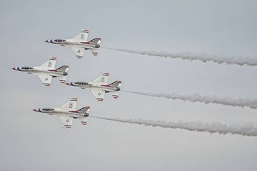 Robert Hayes - Thunderbirds Delta Formation With Smoke