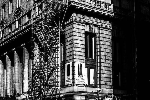 Toronto Building No. 3 by Bruce Davis