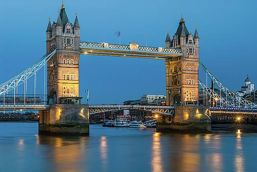 David Ross - Tower Bridge and the River Thames at night