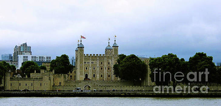 Tower from The Thames by Suzette Kallen