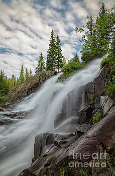 Twin Peaks Falls by Jon Vemo