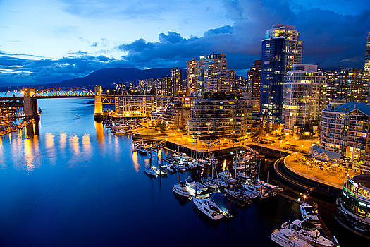 Vancouver Night View by Abesan