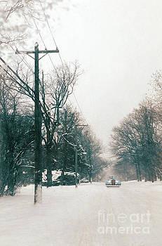 Jill Battaglia - Vintage Car on a Snowy Street