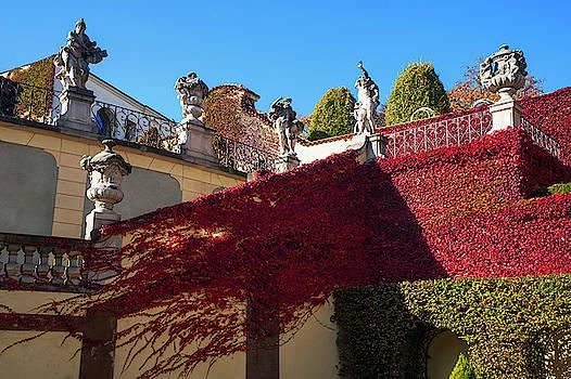 Jenny Rainbow - Vrtba Garden Staircase