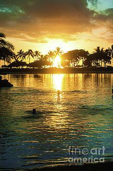 Waikiki bay sunset by Micah May