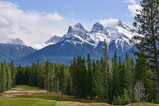 Walking On SIlvertip by Keith Boone