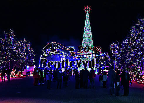 Susan Rissi Tregoning - Welcome to Bentleyville