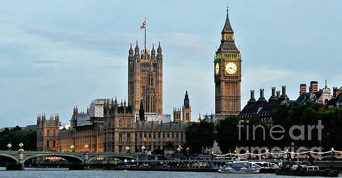 Westminster Evening by Suzette Kallen