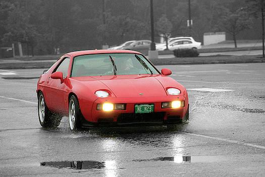 Wet Porsche by Rik Carlson