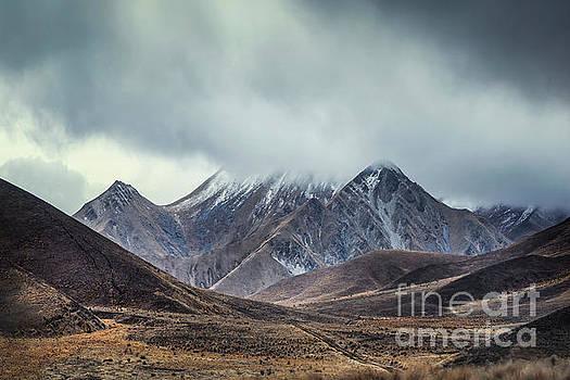 Where Mountains Rise by Evelina Kremsdorf